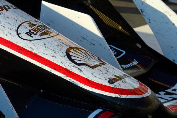 Verizon IndyCar Series Iowa Corn 300 Iowa Speedway, Newton, IA USA Sunday 9 July 2017 The dirty nosecone of Helio Castroneves, Team Penske Chevrolet, car. World Copyright: F. Peirce Williams LAT Images