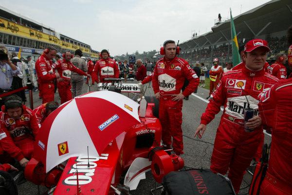 2003 San Marino Grand Prix - Sunday Race,Imola, Italy.20th April 2003.Rubens Barrichello, Ferrari F2002, on the grid.World Copyright LAT Photographic.ref: Digital Image Only.