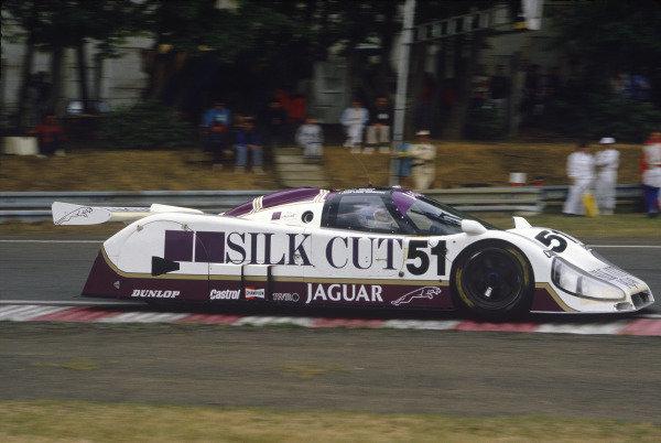 Le Mans, France. 31st May - 1st June 1986.Eddie Cheever/Derek Warwick/Jean-Louis Schlesser (Jaguar XJR-6), retired, action. World Copyright: LAT Photographic.Ref:  Colour Transparency.