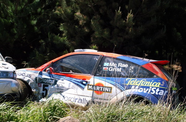 Colin McRae's (GBR) Ford Focus RS WRC off the road on stage 4.Fia World Rally Championship, Rd12, Rally of New Zealand, Day One. 04 October 2002.DIGITAL IMAGE