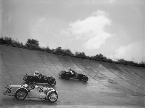 1931 JCC Double Twelve. Brooklands, Great Britain. 8th - 9th May 1931. Maserati, action.  World Copyright: LAT Photographic.  Ref:  Autocar Glass Plate B5886.