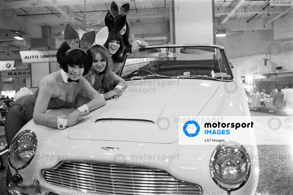 Aston Martin 'Short Chassis' Volante