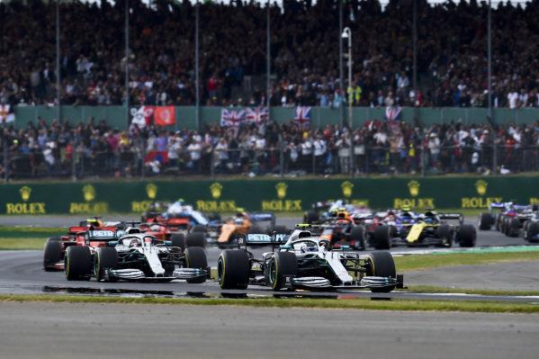 Valtteri Bottas, Mercedes AMG W10 leads Valtteri Bottas, Mercedes AMG W10 at the start of the race