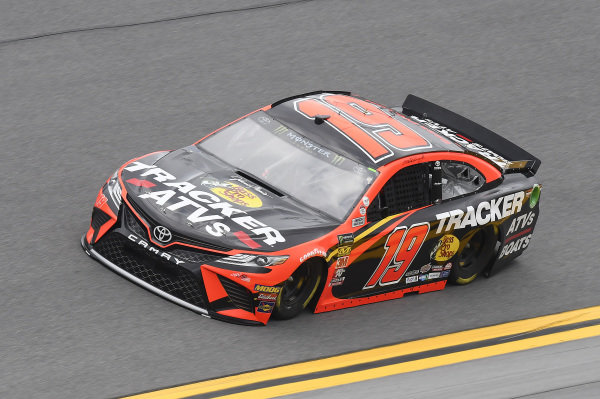 #19: Martin Truex Jr., Joe Gibbs Racing, Toyota Camry Bass Pro Shops/Tracker ATVs Toyota