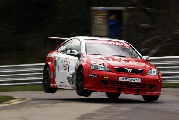 Yvan Muller (FRA) manages to get his Vauxhall Motorsport Astra Coupe airborne at Dingle Dell.