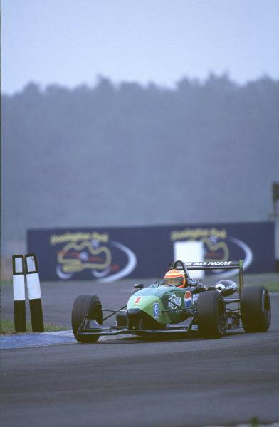 2000 British Formula Three Donington, England. 1st - 2nd July 2000. Rd 7&8. Race 1 winner, Antonio Pizzonia, action. World - Peter Spinney/ LAT Photographic