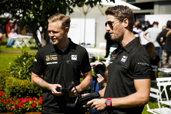 Romain Grosjean, Haas F1 and Kevin Magnussen, Haas F1
