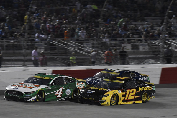 #4: Kevin Harvick, Stewart-Haas Racing, Ford Mustang Hunt Brothers Pizza, #12: Ryan Blaney, Team Penske, Ford Mustang Advance Auto Parts