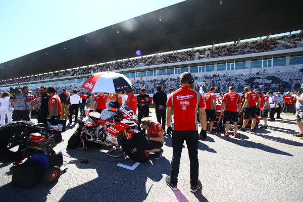 2017 Superbike World Championship - Round 10 Portimao, Portugal. Sunday 17 September 2017 Milwaukee Aprilia in the starting grid World Copyright: Gold and Goose Photography/LAT Images ref: Digital Image 693158