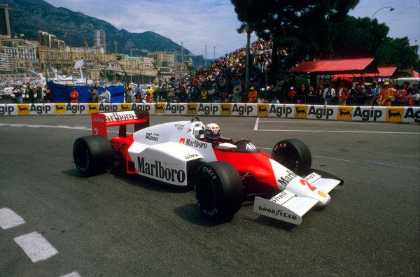 Monte Carlo, Monaco.16-19 May 1985.Alain Prost (McLaren MP4/2B TAG Porsche) 1st position at Rascasse.Ref-85 MON 14.World Copyright - LAT Photographic
