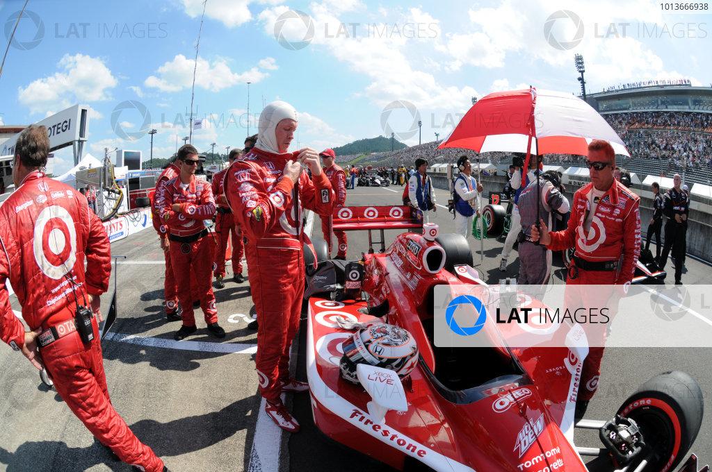15-18 September, 2011, Twin Ring Motegi JapanScott Dixon gets ready for the start.(c)2011, Paul WebbLAT Photo USA
