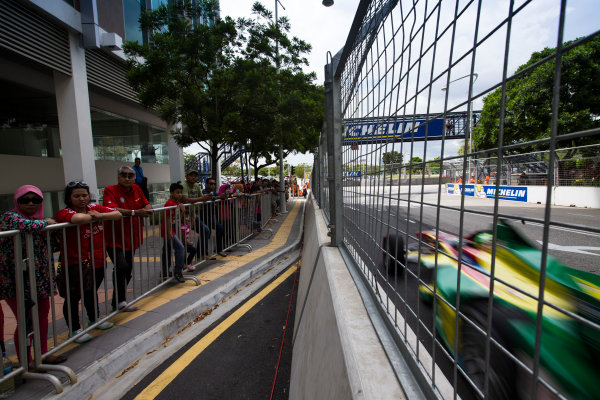 2015/2016 FIA Formula E Championship. Putrajaya ePrix, Putrajaya, Malaysia. Saturday 7 November 2015. Race Lucas Di Grassi (BRA), ABT Audi Sport FE01  Photo: Sam Bloxham/FIA Formula E/LAT ref: Digital Image _SBL1187