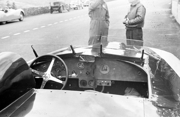 Le Mans, France. 24-25 July 1950. Briggs Cunningham/Phil Walters (Cadillac Spyder), 11th position. Ref-Motor ML3793A-29A. World - LAT Photographic