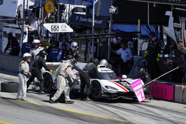 #55: Mazda Motorsports Mazda DPi, DPi: Harry Tincknell, Oliver Jarvis, pit stop