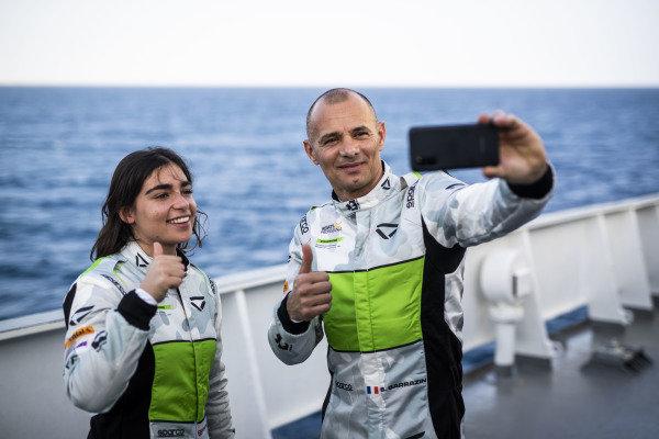 Jamie Chadwick (GBR), Veloce Racing and Stephane Sarrazin (FRA), Veloce Racing  aboard The St Helena logistics ship