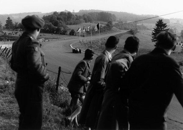 1958 Belgian Grand Prix. Spa-Francorchamps, Belgium. 15 June 1958. Mike Hawthorn (Ferrari Dino 246), 2nd position. World Copyright - LAT Photographic Exhibition ref: a036