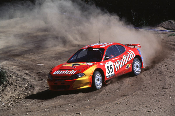 FIA World Rally ChampionshipPortuguese Rally, Porto, Portugal16-19th March 2000.M Guest and E Green-Hyundai-Action.World - LAT PhotographicTel: +44 (0) 181 251 3000Fax: +44 (0) 181 251 3001e-mail: latdig@dial.pipex com