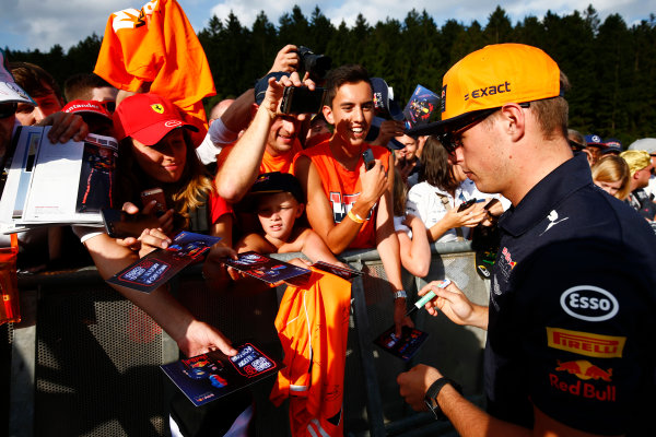 Spa Francorchamps, Belgium.  Thursday 24 August 2017. Max Verstappen, Red Bull Racing, signs autographs for fans. World Copyright: Andy Hone/LAT Images  ref: Digital Image _ONZ8489