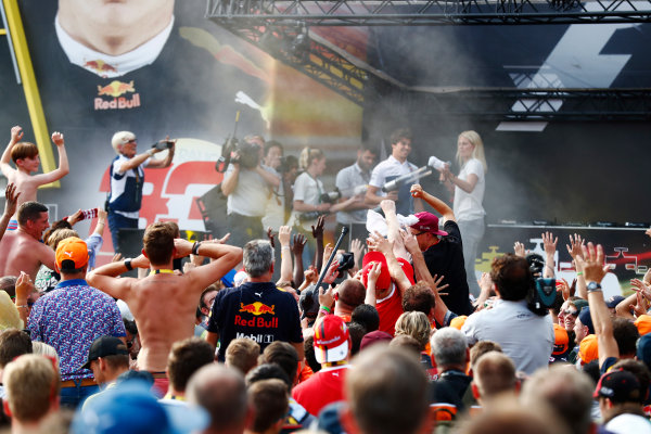 Spa Francorchamps, Belgium.  Saturday 26 August 2017. Lance Stroll, Williams Martini Racing, on stage in the F1 Fanzone. World Copyright: Sam Bloxham/LAT Images  ref: Digital Image _J6I9210
