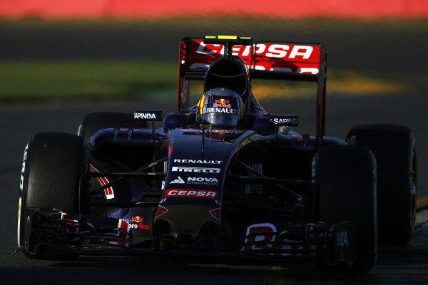Albert Park, Melbourne, Australia. Friday 13 March 2015. Carlos Sainz Jr, Toro Rosso STR10 Renault. World Copyright: Charles Coates/LAT Photographic. ref: Digital Image