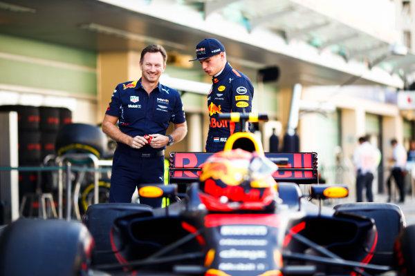 Yas Marina Circuit, Abu Dhabi, United Arab Emirates. Sunday 26 November 2017. Christian Horner, Team Principal, Red Bull Racing, and Max Verstappen, Red Bull. World Copyright: Andy Hone/LAT Images  ref: Digital Image _ONY2575