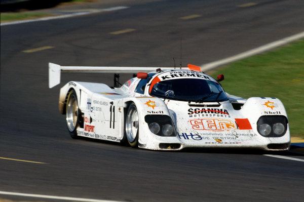 Le Mans, France. 19th - 20th June 1993.Andy Evans/Tomas Saldana/Francois Migault (Porsche 962CK6), 13th position, action. World Copyright: LAT Photographic.Ref:  93LM09.