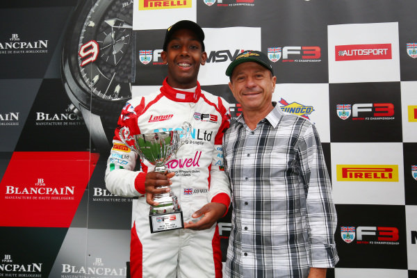 Josh Mason (GBR) Lanan Racing BRDC F3, with Roberto Moreno on the podium.