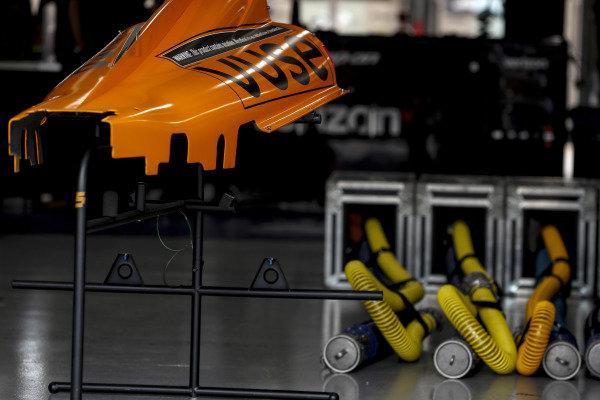 #5: Pato O'Ward, Arrow McLaren SP Chevrolet, #7: Felix Rosenqvist, Arrow McLaren SP Chevrolet garage
