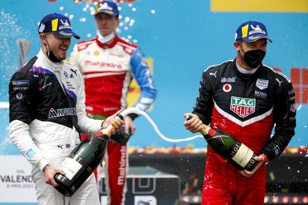 Race winner Jake Dennis (GBR), BMW I Andretti Motorsport, Alex Lynn (GBR), Mahindra Racing and Andre Lotterer (DEU), Tag Heuer Porsche celebrate with the champagne