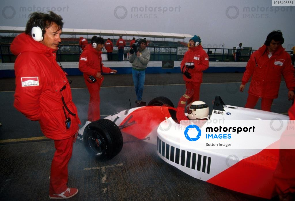 Allan McNish (GBR) DAMS Lola T90/50 Mugen would suffer early in the race a horrific crash that tragically killed a spectator.