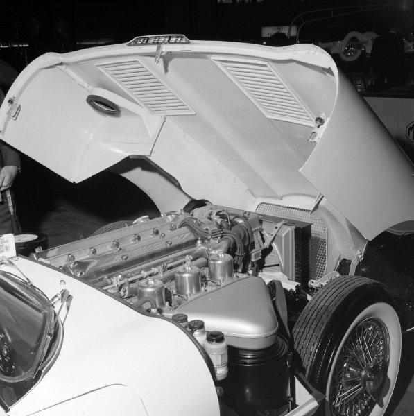 Jaguar E-type S1 3.8-litre engine