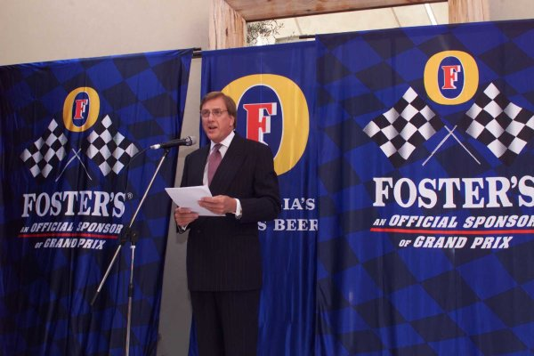 2000 Australian Grand Prix.Albert Park, Melbourne, Australia.10-12 March 2000.At a Fosters Sponsorship press conference, it was announced that Fosters' Grand Prix sponsorship would continue for at least the next 10 years.World Copyright - LAT Photographic