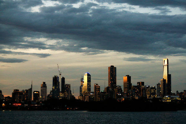 Albert Park, Melbourne, Australia. Thursday 17 March 2016. The Melbourne skyline across the Albert Park Lake. World Copyright: Sam Bloxham/LAT Photographic ref: Digital Image _R6T0731