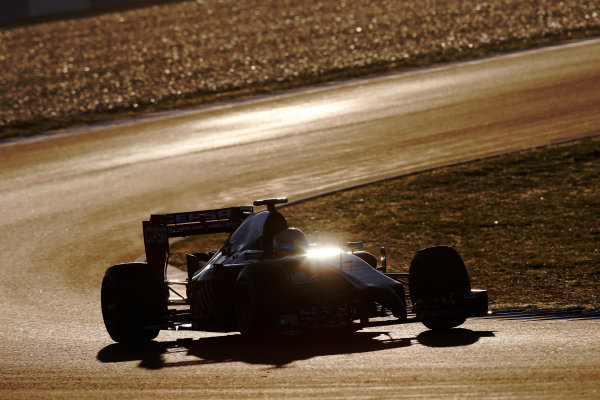 2014 F1 Pre Season Test 1 - Day 2 Circuito de Jerez, Jerez, Spain. Thursday 30 January 2014. Jean-Eric Vergne, Toro Rosso STR9 Renault. World Copyright: Glenn Dunbar/LAT Photographic. ref: Digital Image _W2Q9645.JPG