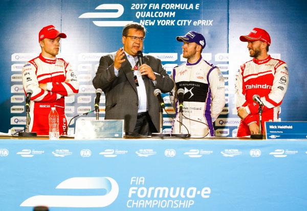 2016/2017 FIA Formula E Championship. Round 10 - New York City ePrix, Brooklyn, New York, USA. Sunday 16 July 2017. Felix Rosenqvist (SWE), Mahindra Racing, Spark-Mahindra, Mahindra M3ELECTRO, Denis Coderre, Mayor of Montreal, Sam Bird (GBR), DS Virgin Racing, Spark-Citroen, Virgin DSV-02, and Nick Heidfeld (GER), Mahindra Racing, Spark-Mahindra, Mahindra M3ELECTRO, in the press conference. Photo: Steven Tee/LAT/Formula E ref: Digital Image _O3I4560
