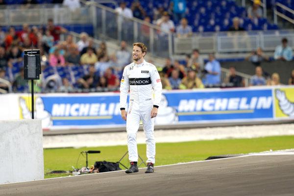 2017 Race of Champions Miami, Florida, USA Saturday 21 January 2017 Jenson Button World Copyright: Alexander Trienitz/LAT Photographic ref: Digital Image 2017-RoC-MIA-AT1-0684