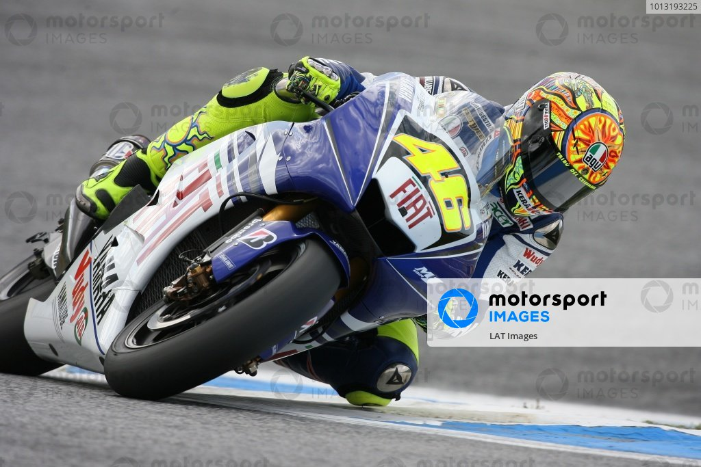 2008 Moto GP ChampionshipEstoril, Portugal. 12th - 13th April 2008Valentino Rossi hustles his Fiat Yamaha through the chicane on his way to 4th place in Free Practice 3.World Copyright: Martin Heath/LAT Photographicref: Digital Image Only