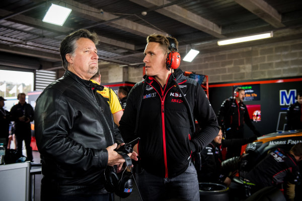 2017 Supercars Championship Round 11.  Bathurst 1000, Mount Panorama, New South Wales, Australia. Tuesday 3rd October to Sunday 8th October 2017. Michael Andretti, Andretti Autosport, Ryan Walkinshaw, Walkinshaw Racing. World Copyright: Daniel Kalisz/LAT Images Ref: Digital Image 061017_VASCR11_DKIMG_4723.jpg