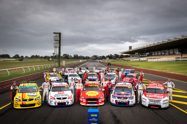 2017 Supercars Championship Round 10.  Sandown 500, Sandown Raceway, Springvale, Victoria, Australia. Thursday 14th September to Sunday 17th September 2017. Supercars retro round team photo. World Copyright: Daniel Kalisz/LAT Images Ref: Digital Image 140917_VASCR10_DKIMG_0181.jpg