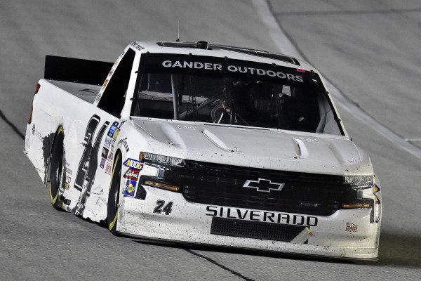 #24: Brett Moffitt, GMS Racing, Chevrolet Silverado Central Plains Cement Company