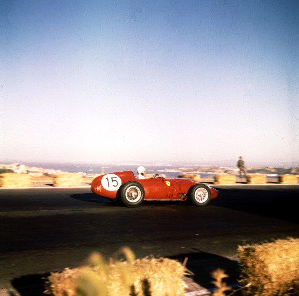 1959 Portuguese Grand Prix.Monsanto, Lisbon, Portugal.21-23 August 1959.Phil Hill (Ferrari Dino 246).Ref-3/0169.World Copyright - LAT Photographic