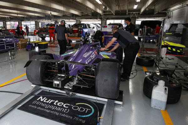 #51: Pietro Fittipaldi, Dale Coyne Racing with RWR Honda, Crew