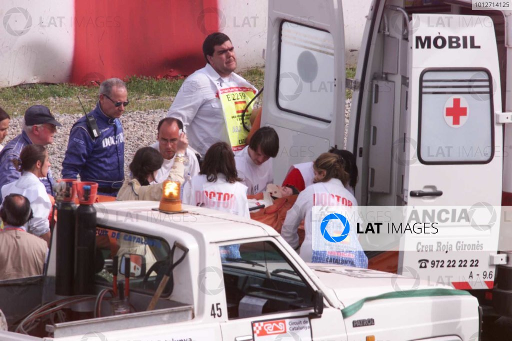 Mario Haberfeld is stretchered in an ambulance - accident - ambulanceCircuit de Catalunya, Spain, 5 May 2000. World - LAT Photographic