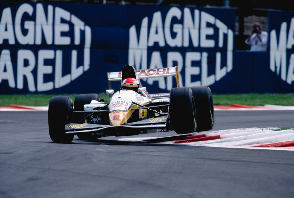 1994 Italian Grand Prix.Monza, Italy. 9-11 September 1994.Johnny Herbert (Lotus 109 Mugen Honda).Ref-94 ITA 25.World Copyright - LAT Photographic