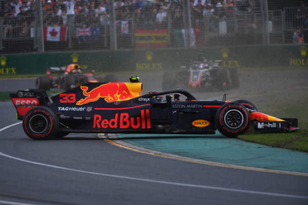 Max Verstappen (NED) Red Bull Racing RB14 spins