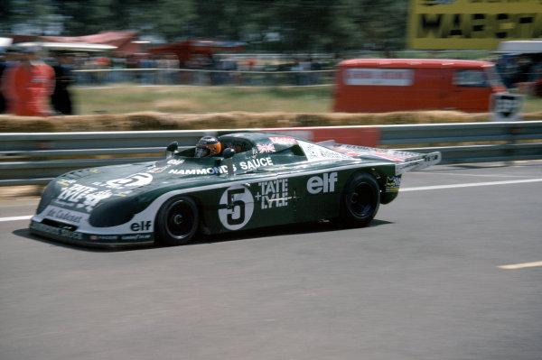 1977 Le Mans 24 HoursLe Mans, France. 11th - 12th June.Chris Craft/Alain de Cadenet (De Cadenet Lola LM-Ford Cosworth), 5th position.World Copyright: Murenbeeld/LAT Photographicref: 35mm Transparency Image