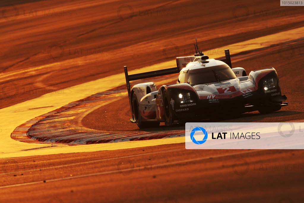 2017 FIA World Endurance Championship, Bahrain International Circuit, Bahrain. 16th-18th November 2017, #2 Porsche LMP Team Porsche 919 Hybrid: Timo Bernhard, Earl Bamber, Brendon Hartley  World Copyright. JEP/LAT Images