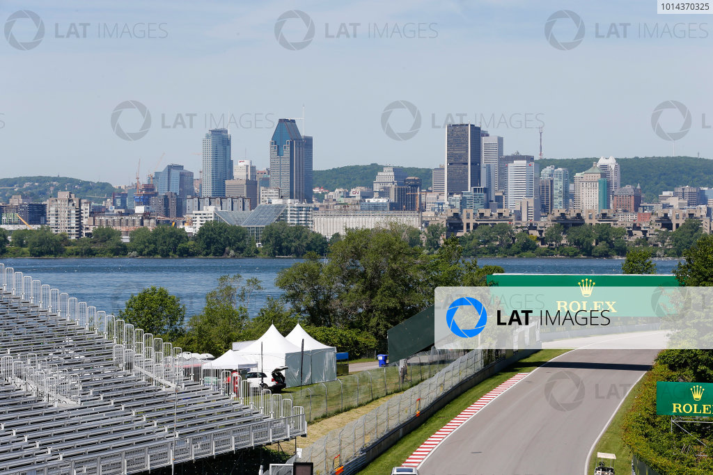 Circuit Gilles Villeneuve, Montreal, Canada. Thursday 4 June 2015. The Montreal skyline with the circuit in the foreground. World Copyright: Steven Tee/LAT Photographic. ref: Digital Image _X0W3906