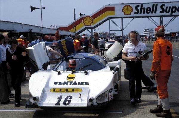 Eric Broadley (GBR) Lola Designer (right with clipboard) oversees the Lola T610 Ford of Guy Edwards (GBR) and Rupert Keegan (GBR) in the pits.World Sports Prototype Championship, Rd2, Silverstone 6 Hours, England, 16 May 1982.