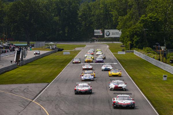 Race Start, #912 Porsche GT Team Porsche 911 RSR, GTLM: Earl Bamber, Laurens Vanthoor